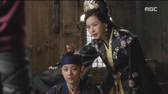 دانلود سریال کره ای بدرخش یا دیوانه شو
