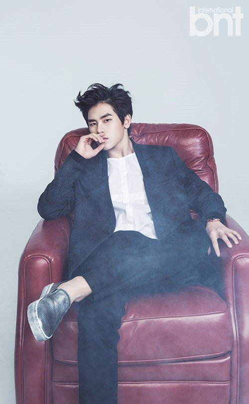 INFINITE's Hoya Explains Why He Enjoys Drinking Solo These Days