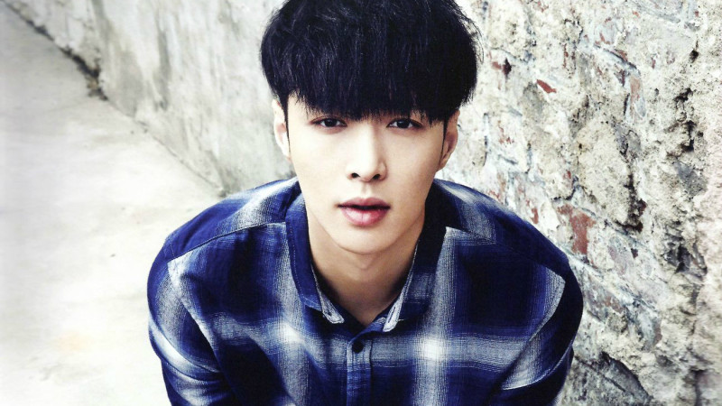 EXOs Lay Sustains Injury on Chinese Web Drama Set