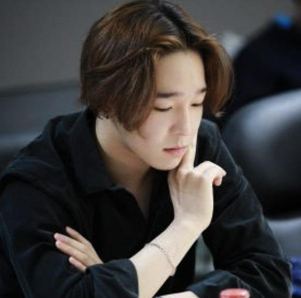 Winner S Nam Tae Hyun Completes First Script Reading For Midnight S Girl Soompi
