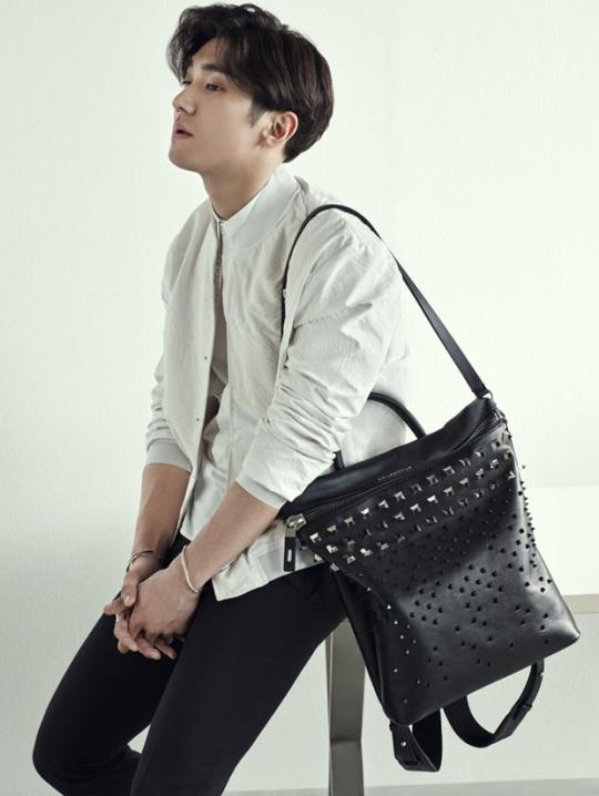 Junior39;s Choi Siwon Looks Effortlessly Stylish in Helianthus Photo