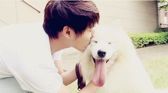 "JYJ Junsu's Pet Dog Featured in ""Warm and Cozy"""
