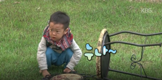 Lee Seo Jun Stays Behind to Clean Up the Mess He and His Brother Made on Superman Returns 4
