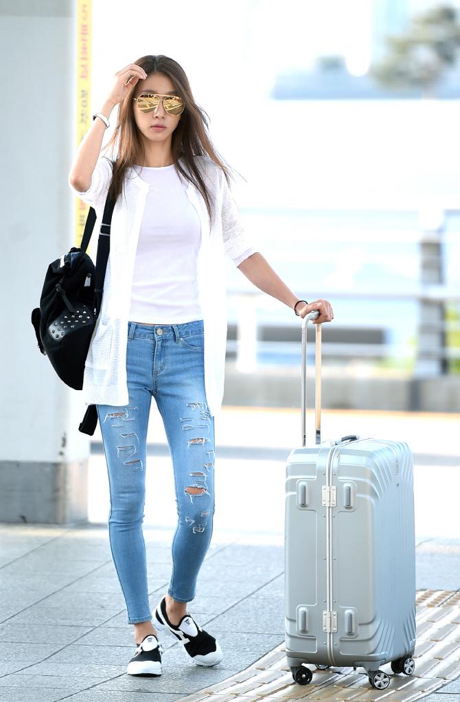 Airport Fashion Roundup: Kim Woo Bin, Taeyeon, Honey Lee ...
