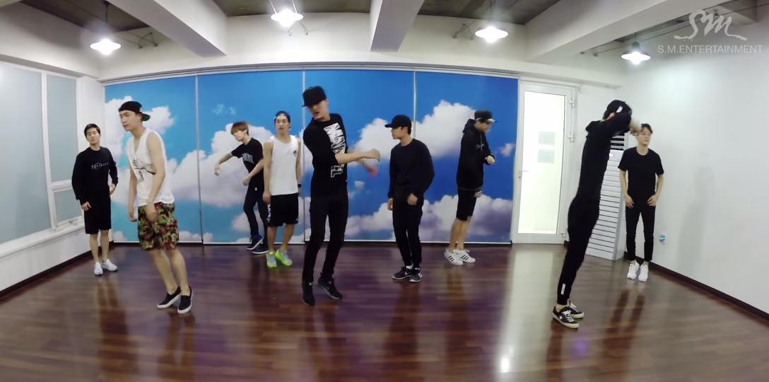 EXO love me right dance