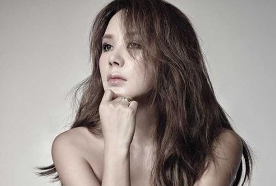 Uhm Jung Hwa-hair down