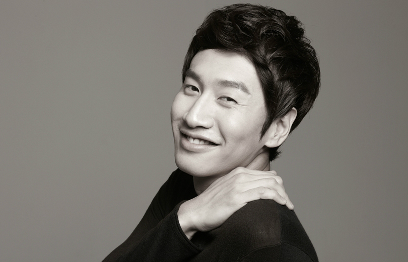 Lee Kwang Soo Is The First Korean Celebrity To Get His Own Emoticons On Chinese Messaging App
