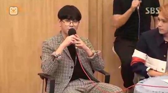 """BEAST's Yong Jun Hyung Receives Text Asking for Borrowed Money on """"Cultwo Show"""""""