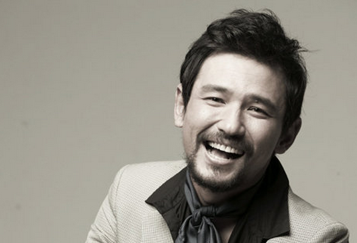 hwang jung min-bw