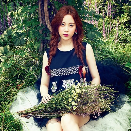 Kara's Youngji Poses as a Pure Lady in Recent Pictorial ...  Kara's Youn...