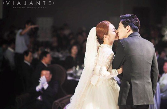 Ahn Yong Joon Venny marriage 2