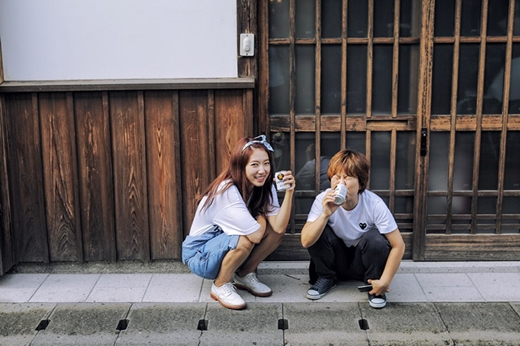 park shin hye - with her manager