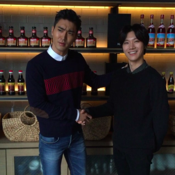 Watch: Choi Siwon Meets the Real-Life Ten