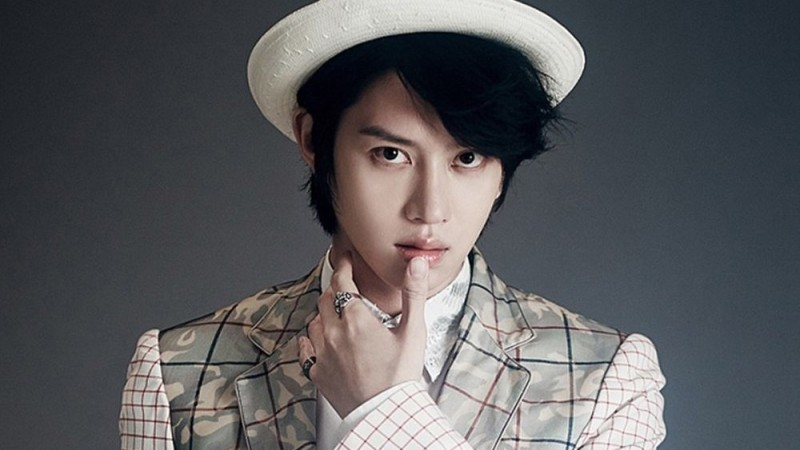 "Super Junior's Kim Heechul Is the Next Guest MC for ""Weekly Idol"""