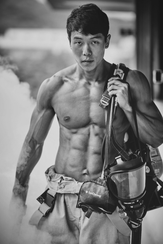 hot korean fighters 2
