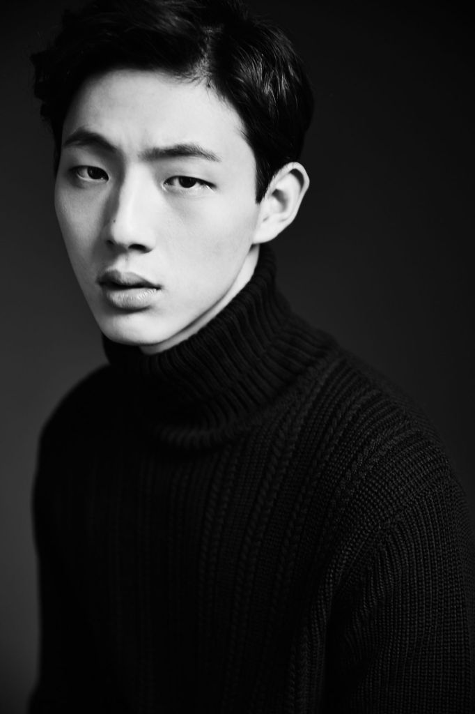 Ji Soo to Portray Park Shin Hyes First Love in Doctors