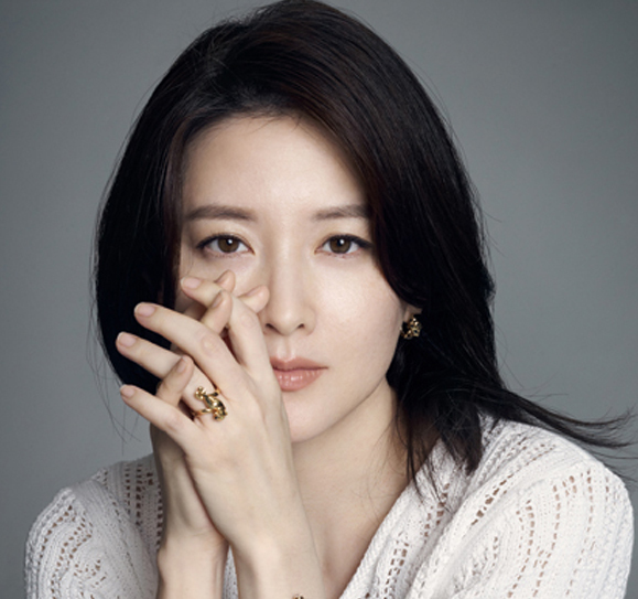 Lee Young Ae Warms Hearts With Yet Another Generous Donation