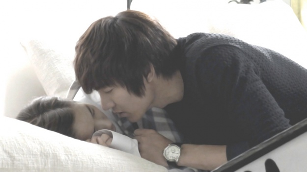 quotcity hunterquot teases with lee min hos romantic sofa kiss