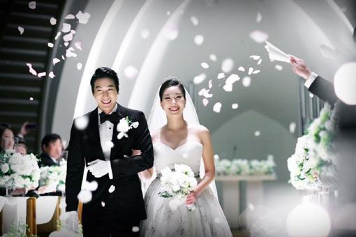 Who is Ali Ahn dating? Ali Ahn boyfriend, husband