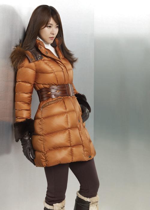 Ha Ji Won Shows Multiple Charms for Fashion Brand ...