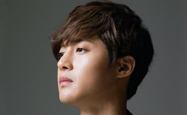Kim Hyun Joong Bares H...