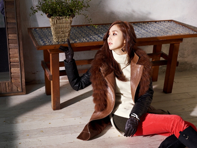 Park Min Young Allures as Compagna's Fall/Winter Model