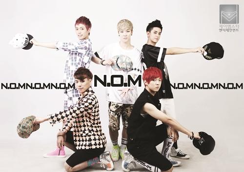 nom_group