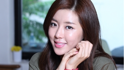 Park Han Byul Hd: Park Han Byul Chops Off Hair And Transforms Into High
