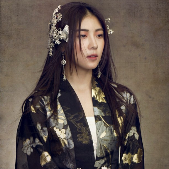 Ha Ji Won Takes An Quot Empress Ki Quot Selfie Soompi
