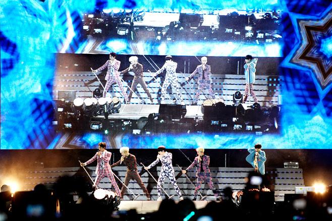 Shinee everybody showcase 2
