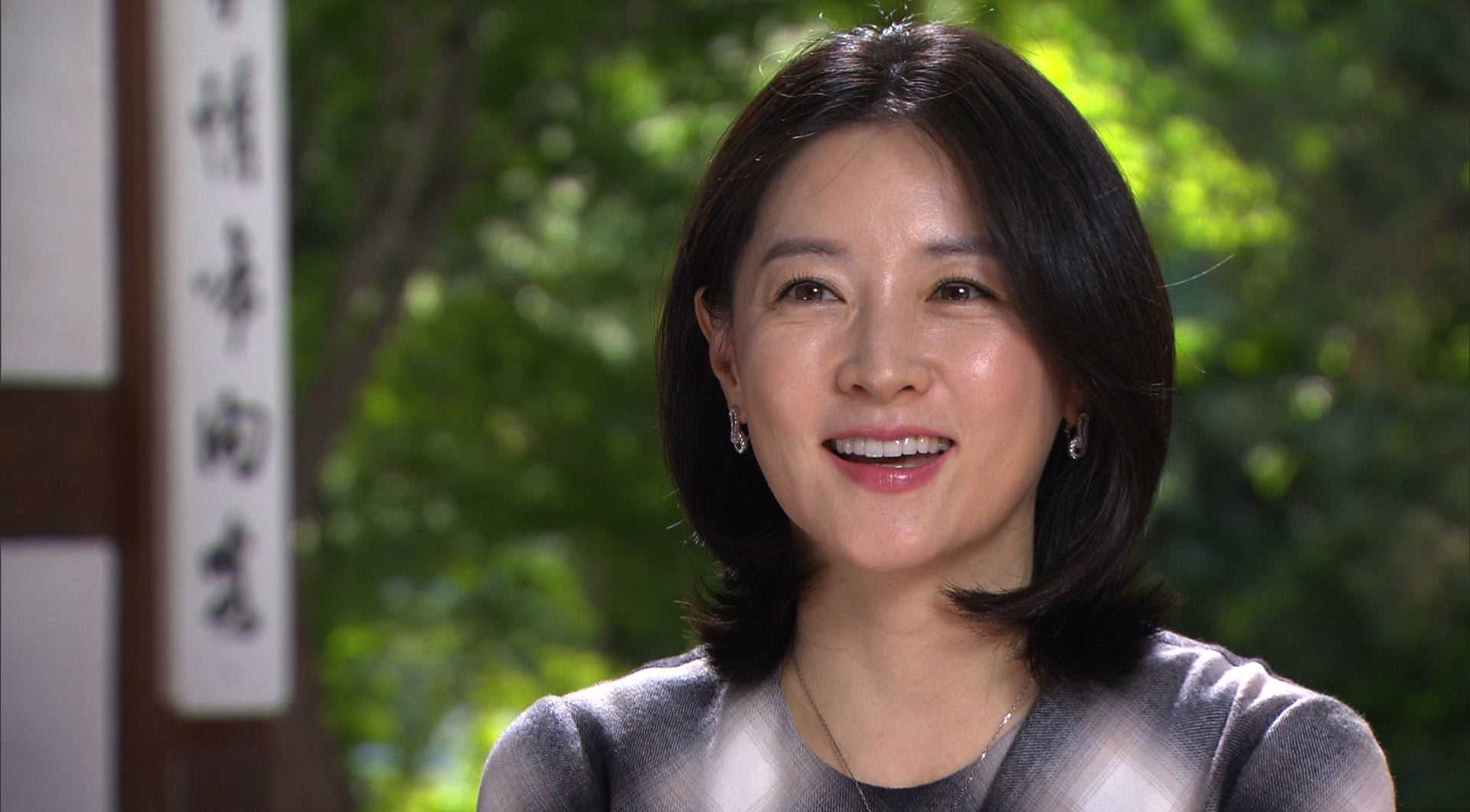Lee Young Ae Releases Ad to Stop Rampant Illegal Use of Her Image