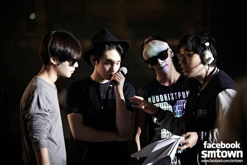 "SMTOWN Releases Rehearsal Photos of ""SMTOWN Live World Tour III in Tokyo"""