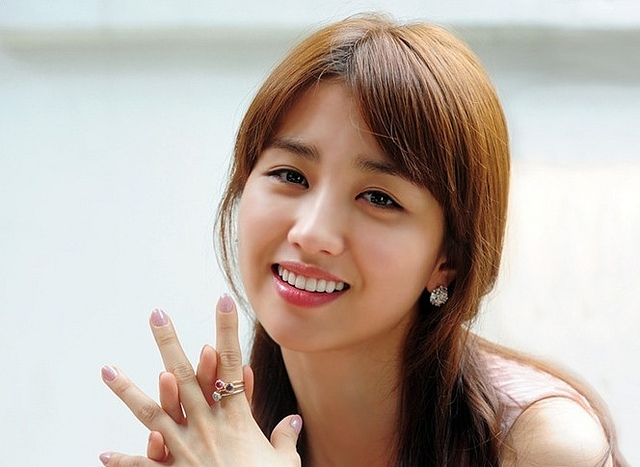 Park Ha Sun Stays Loyal to Her Agency and Renews Contract