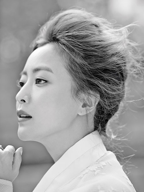 Kim Hee Sun for Vogue 1