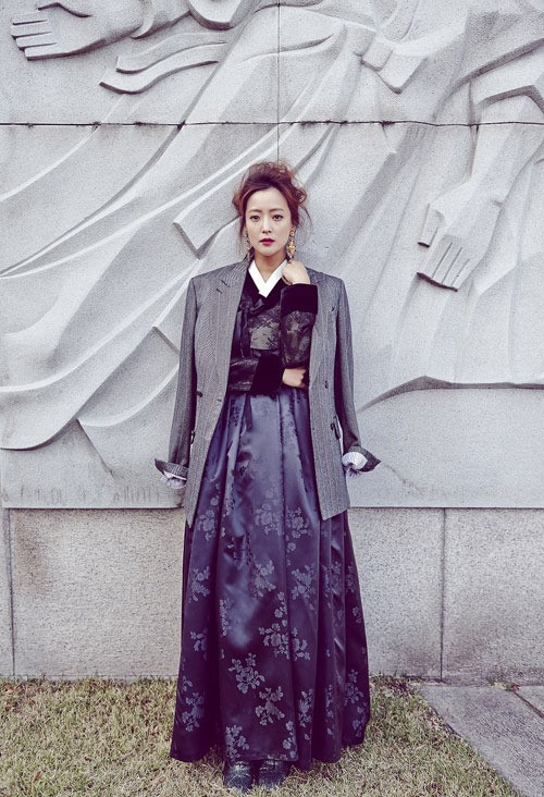 Kim Hee Sun for Vogue 2