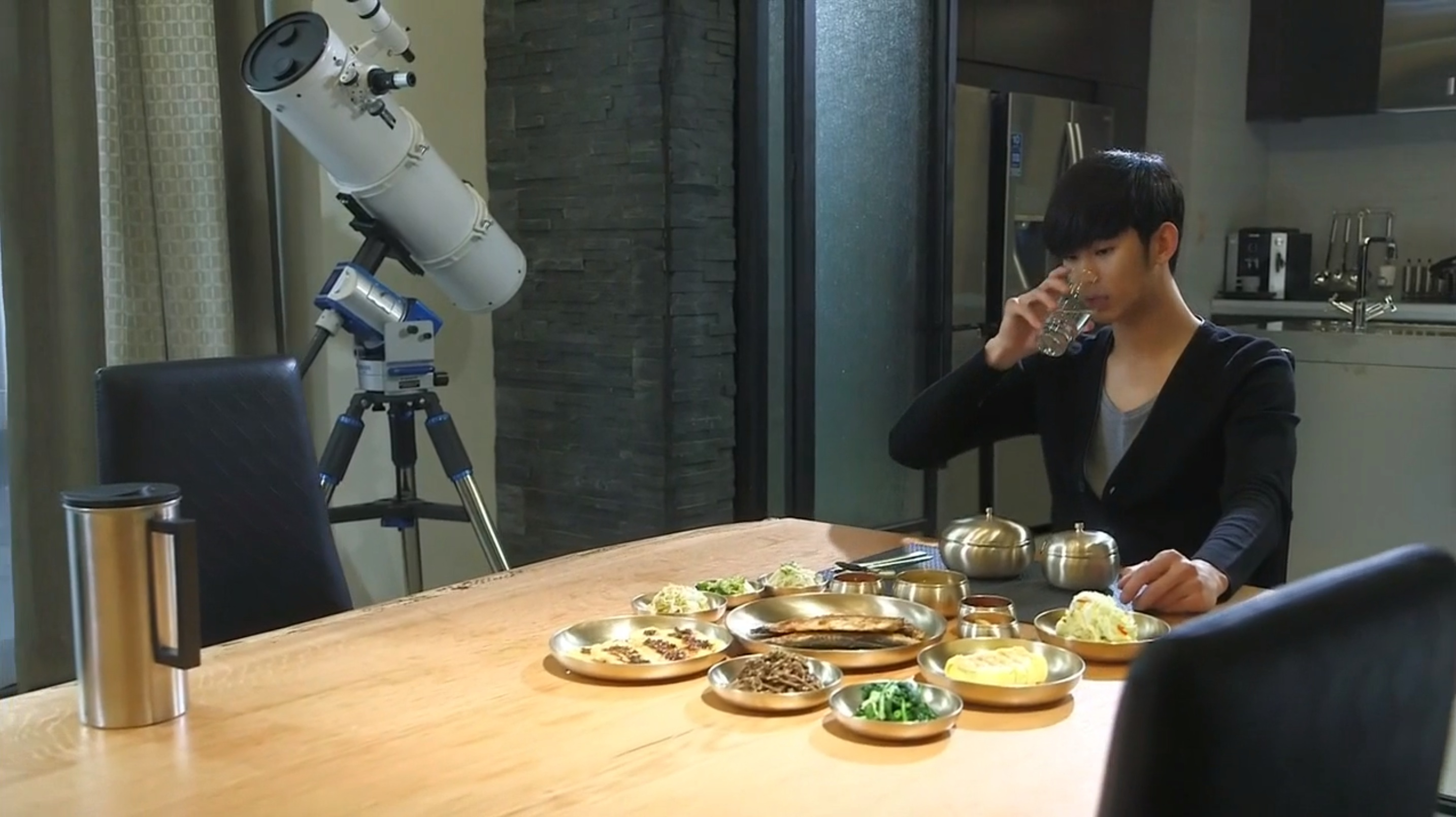 http://1.soompi.io/wp-content/uploads/2013/12/Eat-Alone.jpg