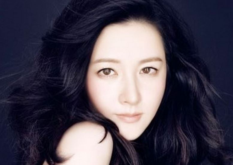 Lee Young Ae-hair down