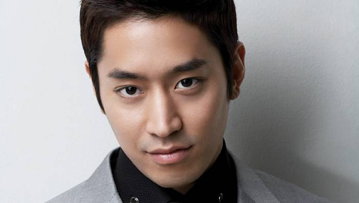Shinhwa's Eric to Attend KBS Drama Awards, Nominated for ...Eric Mun Scandal