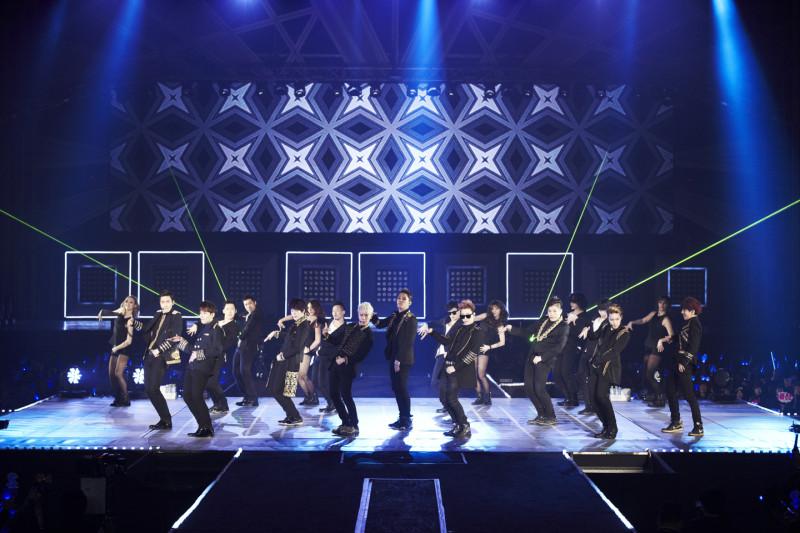 7 Epic Live Super Junior Performances