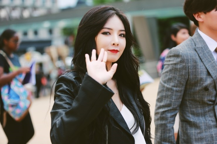 hyuna fashion week 2