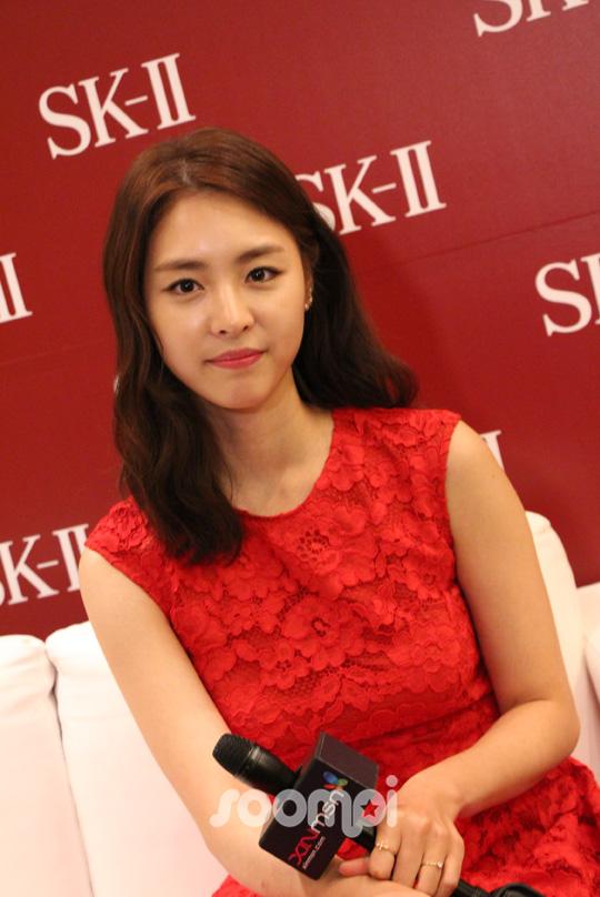 Lee Yeon Hee_R_0053