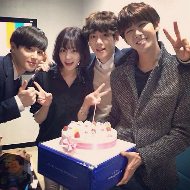 Lee Yoo Bi Poses with EXOs Suho Baekhyun and ZEAs Kwanghee at