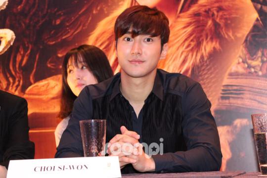 Dragon Blade Choi Siwon 070
