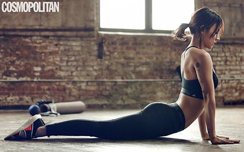 Lee Hyori Showcases Her Flexibility In Yoga Photo Shoot For Cosmopolitan