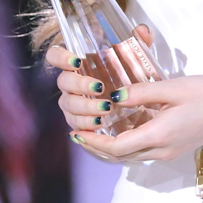 taeyeon-nails-2