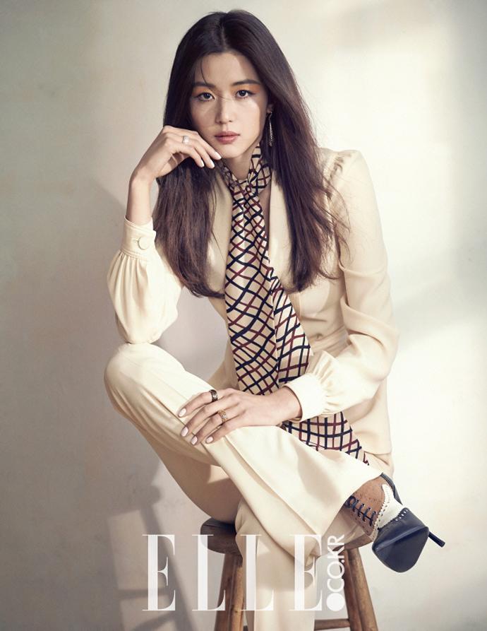 Ji-hyun Jun Nude Photos 76