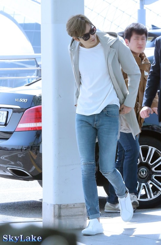 Airport Fashion: Lee Min Ho in Saint Laurent and Projekt