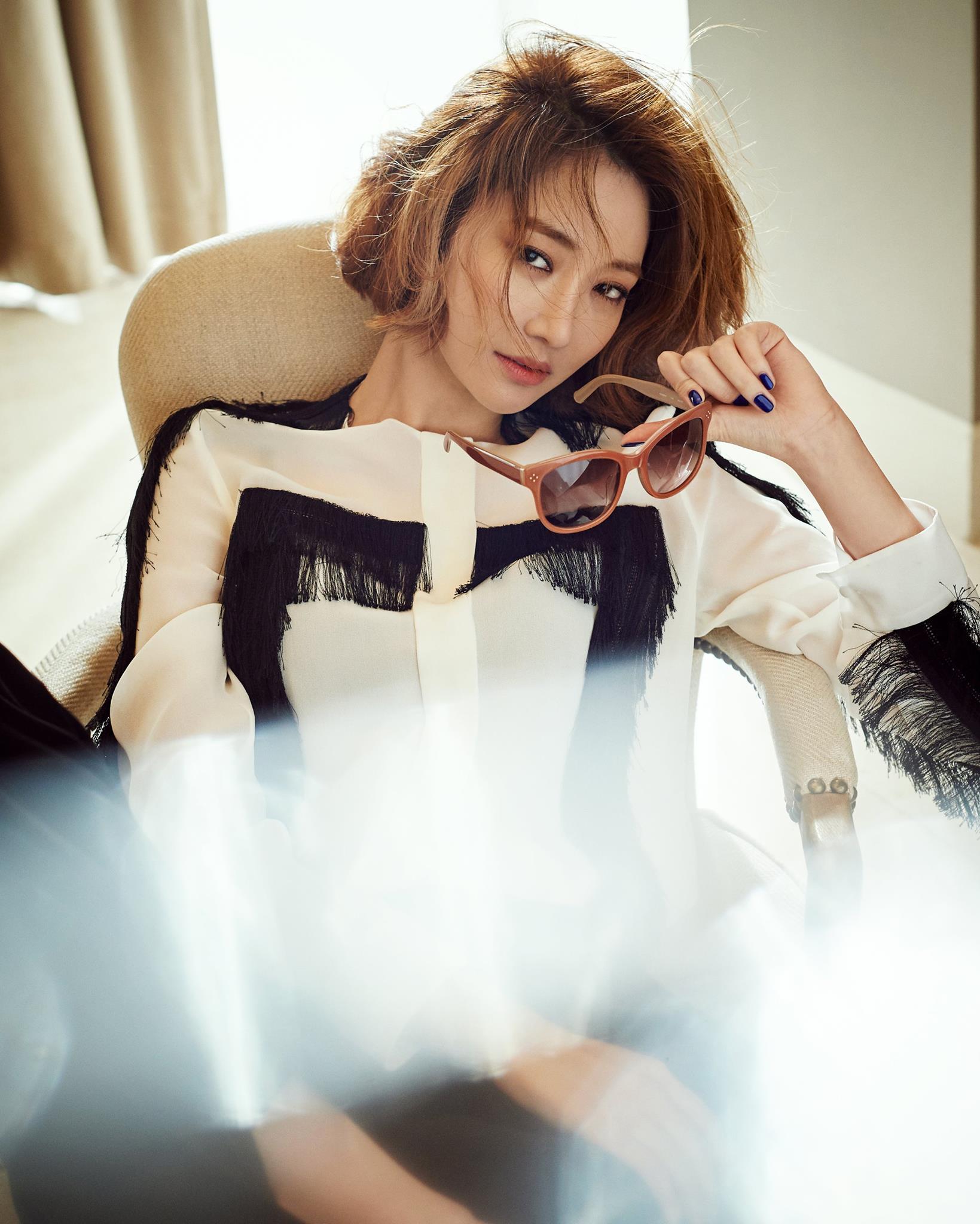 Go Joon Hee Is An Eyewear Muse In New Vogue Korea Pictorial Soompi