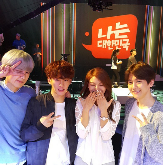 Ailee Is An Adorable Fangirl In Photos With EXO, Hyorin