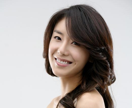 Korean celebrities dating non celebrities
